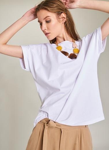 Ng Style Sırtı V Dekolteli Tişört Beyaz